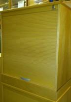 HovDokka sjalusiskap i eik, med 2 permhøyde, 80cm b, 91cm høyde, pent brukt