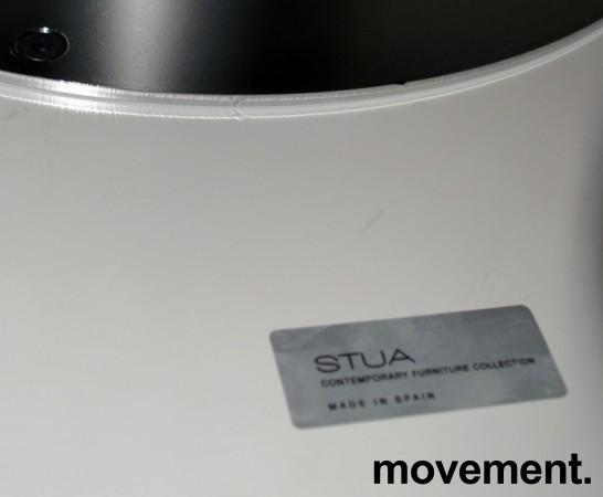 Lite rundt bord fra Stua, hvit plate,aluminium understell, u00d8=70cm H=72cm, pent brukt