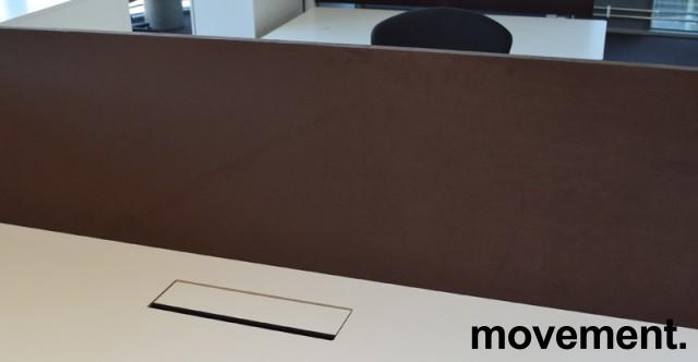 Bordskillevegg fra Edsbyn i brun mikrofiber, 180cm bredde 65cm høyde, pent brukt bilde 1