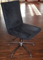 EFG Woods Konferansestol / møteromsstol i grå mikrofiber, base i krom, pent brukt