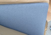 Bordskillevegg TAG fra EFG, i blågrått stoff. Ny i eske.