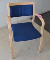 Isku konferansestol / besøksstol i bjerk med blått stofftrekk, pent brukt