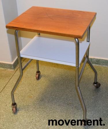 Lite 50-talls bord på hjul, retro/vintage, 35x45cm, brukt bilde 1