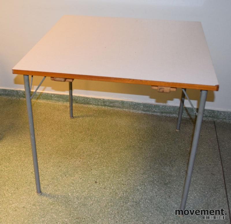 Tidssvarende Respatex-bord, retro/vintage, 78x78cm,brukt LJ-64