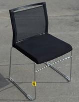 Konferansestol i sort stoff, mesh og krom, pent brukt, BILLIGKROKEN
