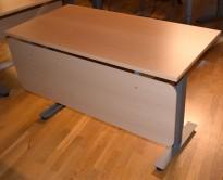 Konferansebord / kursbord med frontplate, fra EFG i bøk, 120x62cm, pent brukt