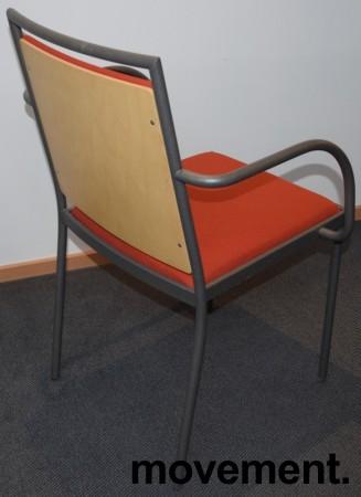 Konferansestol / møteromsstol fra Inno, modell Stack i grått / rødt stoff / bjerk, pent brukt bilde 2