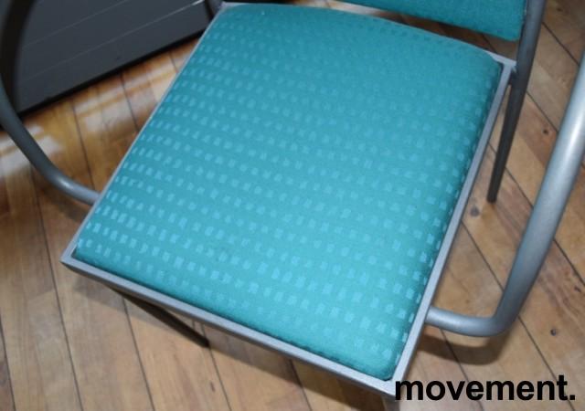 Konferansestol / møteromsstol fra Inno, modell Stack i grått / grønnmønstret stoff / bjerk, pent brukt bilde 2