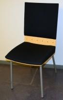 Klaessons konferansestol i grått/bjerk/mørkeblått sete/ryggpute, modell ANNO, pent brukt