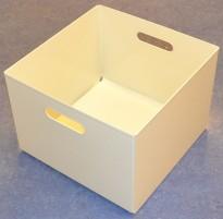 Kinnarps kasser i hvitlakkert metall for hengemapper, også ypperlige til LP-plater, pent brukt