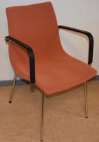 Konferansestol fra MiljøExpo i blekorange/krom/sort, modell COLT, pent brukt