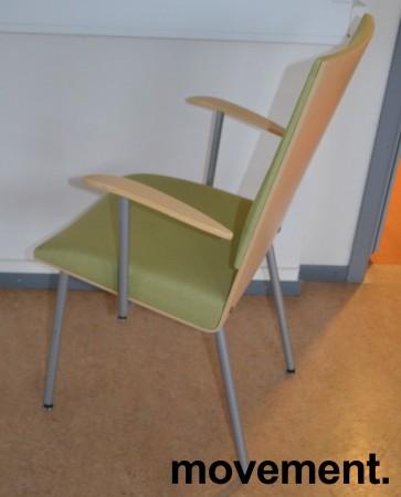 Klaessons konferansestol i grått/bjerklys grønt sete/ryggpute med armlene, modell ANNO, pent brukt bilde 3