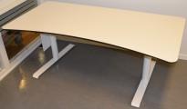 Lekkert skrivebord fra Svenheim i hvitt med sorte kanter, 160x80cm, pent brukt