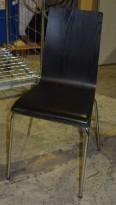 Stablestol i sort finer med sort skinnsete og krom ben, pent brukt