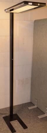 LUXO LEVIT-F stålampe i svart, pent brukt. bilde 3