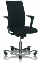 Håg H04 4600 kontorstol i mørk blått stoff, grålakkert understell, høy rygg og armlene, NY / UBRUKT