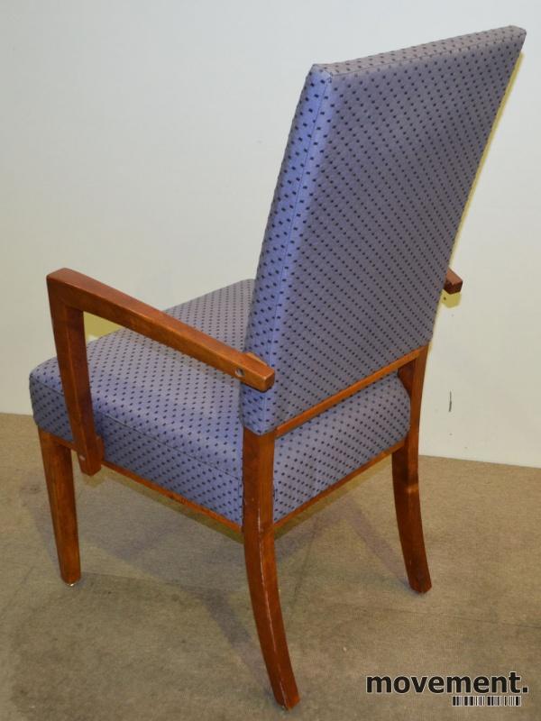 Forskjellige Konferansestol / spisestuestol med høyrygg og armlener, pent brukt CM-33