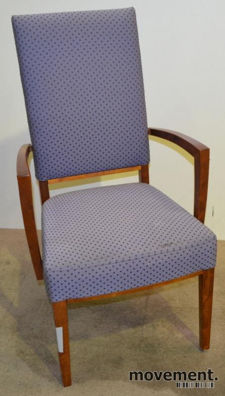 Enorm Konferansestol / spisestuestol med høyrygg og armlener, pent brukt ZA-92
