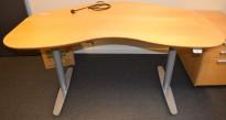 Edsbyn elektrisk hevsenk-skrivebord i bjerk/grått, 160cm bredde, pent brukt