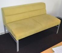 Kinnarps Wilson 2-seter sofa i limegrønn mikrofiber, bredde 132cm, pent brukt