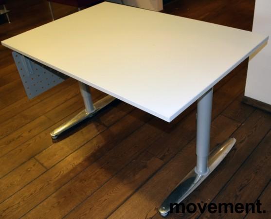 Kompakt skrivebord i grått, KinnarpsT serie, 120x80cm, pent brukt