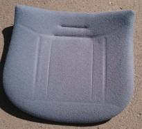Seteputer i lyseblå ullfilt til RBM Noor skallstol, pent brukt