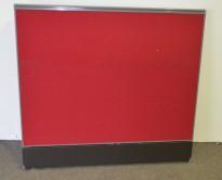 Kinnarps Zonit skillevegg i rødt stoff, høyde 110cm, bredde 120cm, pent brukt