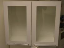 Overskap til kjøkken i hvitt med glassdører, bredde 73cm, høyde 60cm, pent brukt