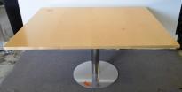Møtebord / konferansebord i bjerk med krom fot, 150x120cm, pent brukt