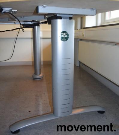 Ergodesk elektrisk hevsenk hjørneløsning 210x164cm, bjerk plate med slitasje, brukt bilde 4