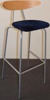 Barkrakk fra Mitab, modell TORO, bøk/blå mikrofiber, 78cm sittehøyde, pent brukt