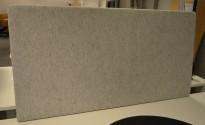 Lekker bordskillevegg i lyst grått stoff fra EFG, 120x63cm, pent brukt