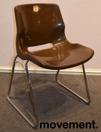 Overman vintage plaststol / skallstol / stablestol i brunt/krom, Design: Svante Schöblom, brukt bilde 1