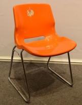 Overman vintage plaststol / skallstol / stablestol i orange/krom, Design: Svante Schöblom, brukt