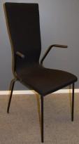EFG Graf høy konferansestol, med armlener, sort ramme, sort stofftrekk, pent brukt
