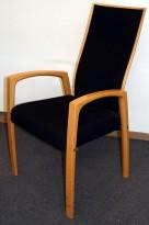 Låte konferansestoler i bøk/sort, høy rygg, pent brukt