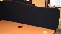 Bordskillevegg i sort stoff, 120cm bredde, pent brukt
