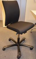 HÅG h04 Credo kontorstol, NYTRUKKET i sort stoff, pent brukt