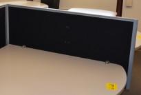Bordskillevegg / pultskillevegg fra Duba B8 i sort, 120cm bredde, 84,5cm høyde, pent brukt