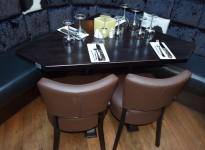 Restaurantbord / kafebord i massivt heltre, mørkbeiset, rustikk stil, Hjørne 93,5x93,5cm, pent brukt
