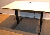 Lekkert elektrisk hevsenk skrivebord i hvitt/sort, 120x80cm, pent brukt