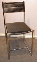 Kafestol i krom og sort pvc, Rubberwire chair, pent brukt