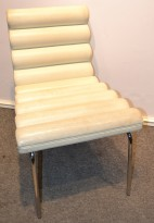 Loungestol i hvitt kunstskinn og krom, brukt