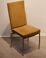 ForaForm Rex konferansestol i lys brun mikrofiber med rygg i bøk, pent brukt