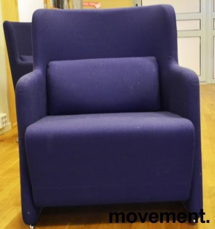 1 seter sofa / loungestol i blått stoff med ben i krom fra Lammhults, bredde 65cm, pent brukt bilde 1