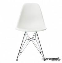 Vitra DSR besøksstoler i hvitt, Design: Charles & Ray Eames, NY SITTEHØYDE, UBRUKT