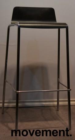 Barkrakk fra Allermuir, sete i sortlakkert finer, krom understell, 75cm sittehøyde, pent brukt bilde 2