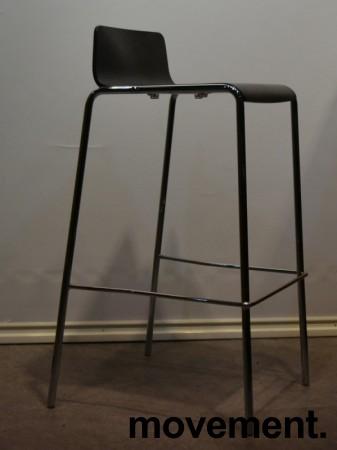 Barkrakk fra Allermuir, sete i sortlakkert finer, krom understell, 75cm sittehøyde, pent brukt bilde 3