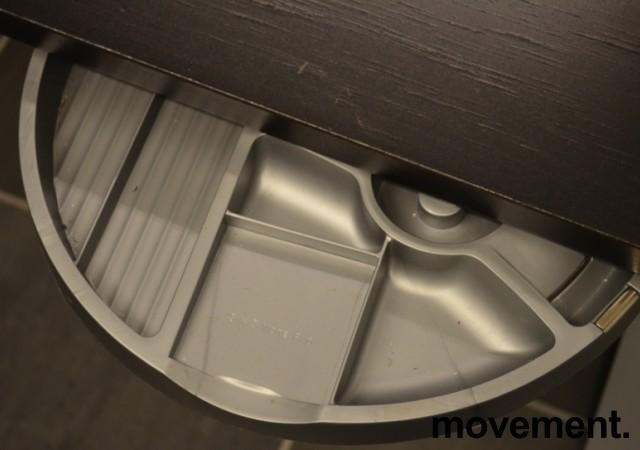 Penneholder for montering under skrivebord, grå eller sort, pent brukt bilde 2