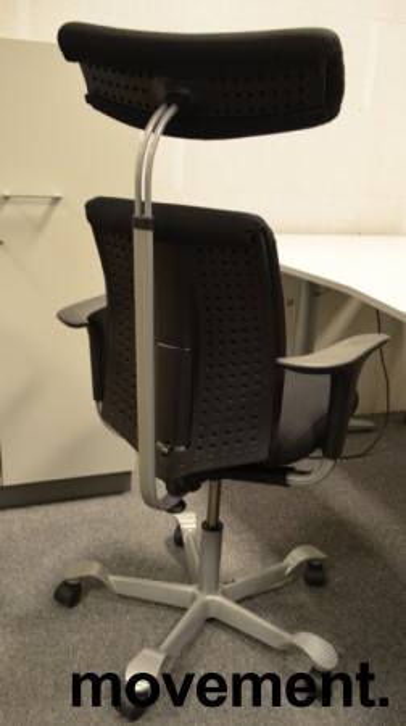 Håg H05 5300 kontorstol med nakkepute og armlene, nytrukket i sort bilde 2